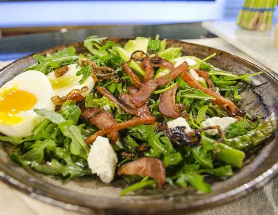 Canadian Bacon, Arugula & Asparagus Breakfast Salad