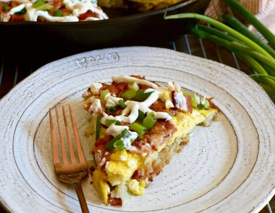 Cast Iron Hash Brown Breakfast Pizza