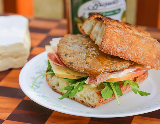 ... Recipes / Toasted Pork Sausage Sandwich with Brie, Apple & Prosciutto